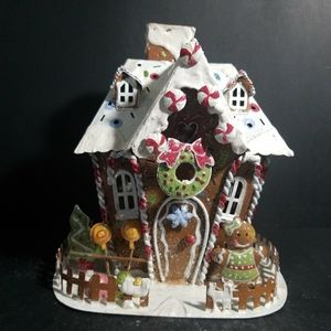 Metal Gingerbread House Tealight Candle Holder